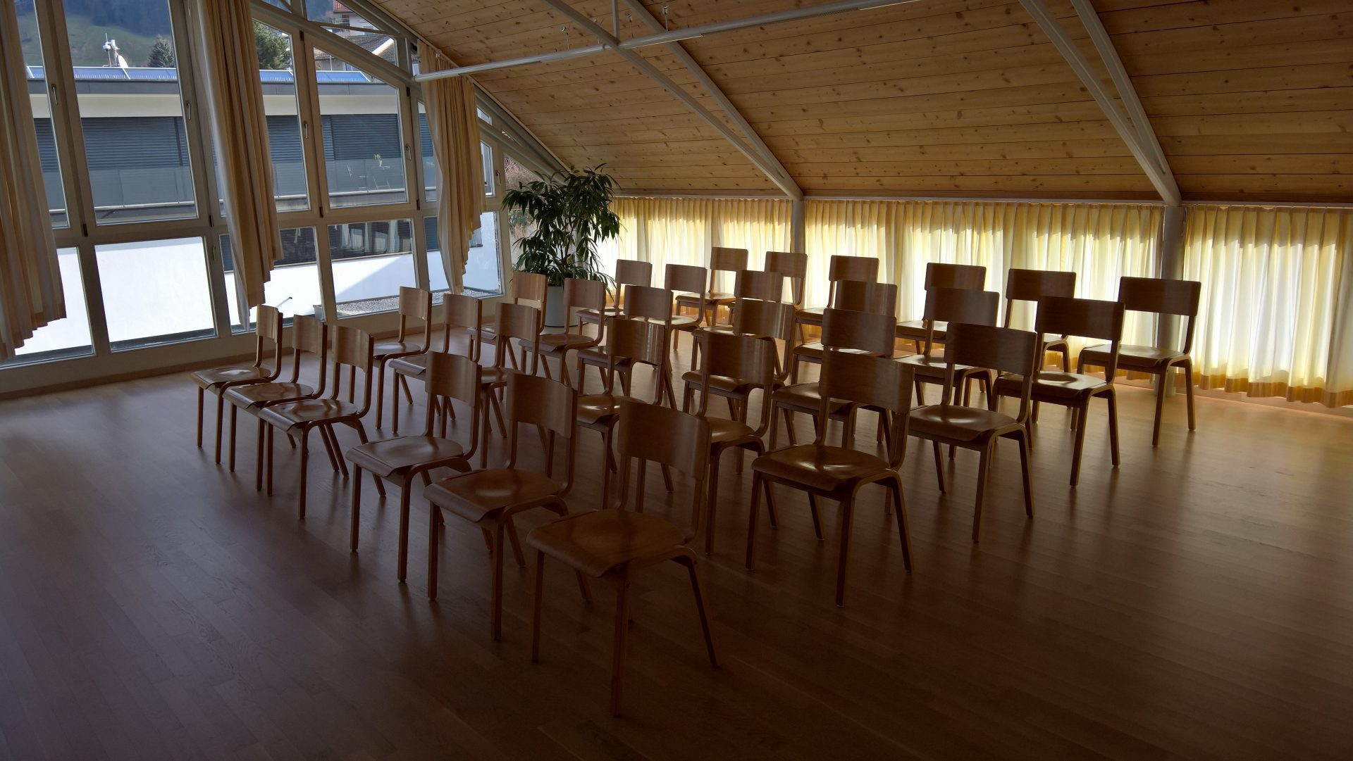 meditationsraum kolping bregenz. Black Bedroom Furniture Sets. Home Design Ideas